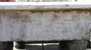 iscrizione vasca Monumento ai Caduti Ceccano